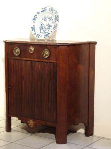 DSC00371 - penantkastje met jaloeziedeur  18e eeuw