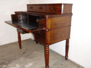 DSC00609 - Frans mahonie bureau ca. 1860