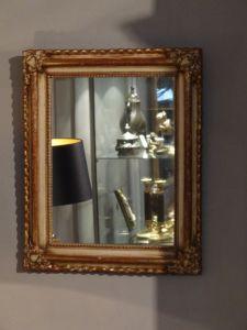 DSC00933 - vergulde spiegel met hoekornamenten 19e eeuw