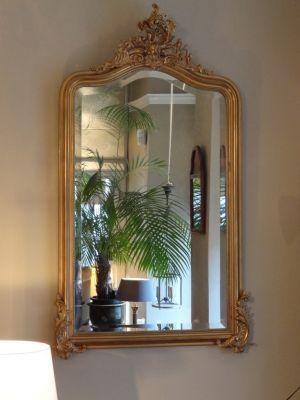 DSC01128 Franse vergulde spiegel met ornamenten en facetgeslepen glas